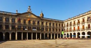 新的正方形和市政厅天视图  Vitoria-Gasteiz 图库摄影