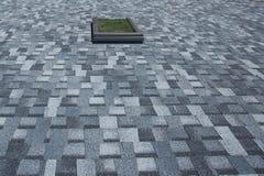 新的沥青屋面盖背景 图库摄影