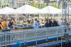 新的浮动餐馆和酒吧特写镜头在墨尔本 免版税图库摄影