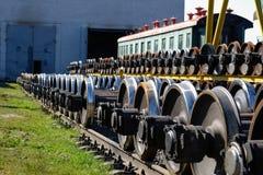 新的火车金属轮子 免版税库存图片