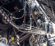 新的现代农业联合收割机机制  工业机械背景 库存图片