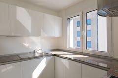 新的现代厨房角落细节  免版税库存图片