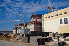新的现代核电站建造场所  免版税库存照片