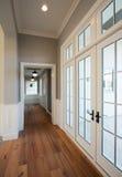 新的现代家庭走廊 库存图片