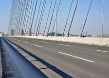新的现代桥梁 免版税库存照片