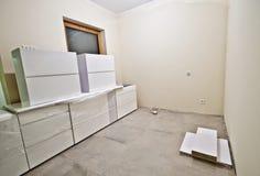 新的白色厨房家具 库存图片