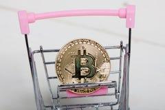 新的真正金钱 Cryptocurrency 免版税库存图片
