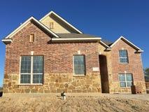 新的砖房子建筑大厦 库存图片