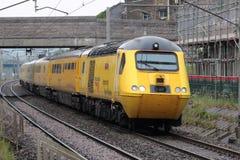 新的网络路轨测量火车Carnforth, WCML 库存图片