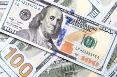 新的美国一百美元票据的背景放入circula 免版税库存图片