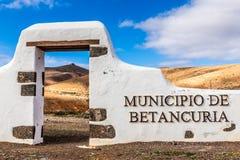 新的自治市标志费埃特文图拉岛,加那利群岛 库存照片