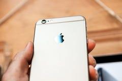 新的苹果计算机正iPhone 6和iPhone 6 免版税库存照片