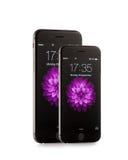 新的苹果计算机iPhone 6和iPhone 6正前方 库存图片
