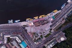 新的被重建的邮政正方形在市基辅 在视图之上 库存图片