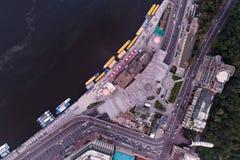 新的被重建的邮政正方形在市基辅 在视图之上 免版税库存图片