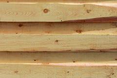 r 新的轻的木墙壁由委员会做成 免版税库存照片