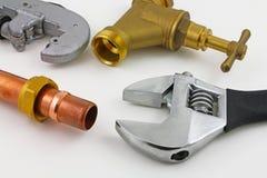 新的铜压缩管道工程管组 免版税库存图片