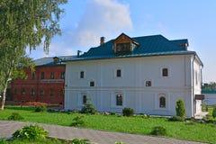 新的餐厅事例& x28; 19世纪& x29;在Feodorovsky女修道院在Pereslavl-Zalessky,俄罗斯 免版税库存图片