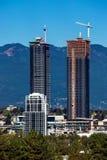 新的高层的建筑在本那比市 库存照片