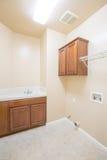 新的洗衣房 免版税库存照片