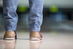 新的Fangled保龄球鞋。 库存图片