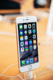 新的iPhone在立场的6个加号 免版税库存图片