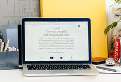 新的MacBook赞成视网膜接触酒吧雷电3细节 免版税图库摄影
