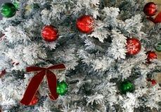 新的s戏弄年 2007个球圣诞节年 装饰 库存照片