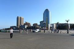 新罗西斯克是海岸Tsemess海湾的一个城市 图库摄影