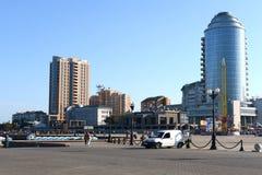 新罗西斯克是黑海的海岸Tsemess海湾的一个城市 免版税库存照片