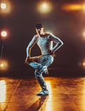 新背景跳舞人的石墙 库存照片