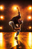新背景跳舞人的石墙 免版税库存照片