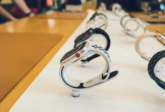 新苹果计算机手表系列3数字式红色冠 免版税库存图片