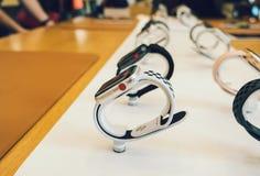 新苹果计算机手表系列3数字式红色冠 库存照片