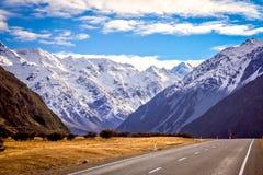 新西兰南岛的山风景 免版税库存图片