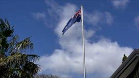 新西兰在蓝天的旗子飞行 影视素材