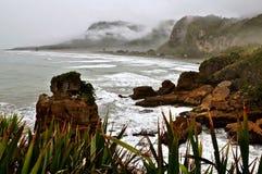 新西兰山和海 免版税图库摄影