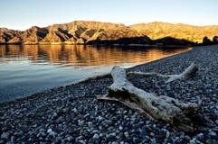 新西兰山和海 免版税库存照片
