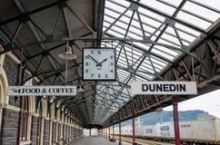 新西兰的南岛位于的达尼丁火车站 免版税库存图片
