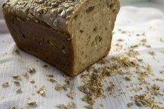 新近地煮熟的在家做的面包 免版税图库摄影