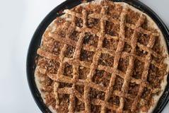新近地被烘烤的苹果饼用苹果 免版税库存图片