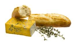 新近地被烘烤的面包,黄色干酪 库存图片