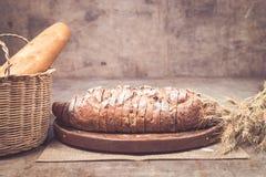 新近地被烘烤的面包 免版税库存照片