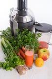 新近地被紧压的蔬菜汁 图库摄影