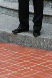 新郎台阶等待 库存照片