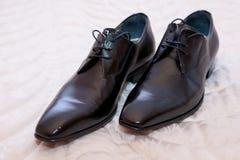 新郎鞋子 库存图片