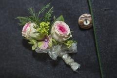 新郎的婚礼按钮 免版税库存照片