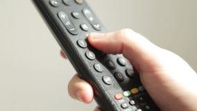 新闻在电视遥控的按钮 股票录像
