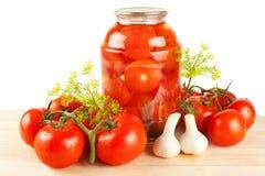 新鲜和罐装蕃茄 免版税库存照片