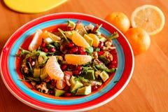 新鲜水果沙拉 健康的食物 库存照片